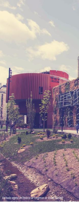 Fachada vegetal Palacio de Congresos de Vitoria