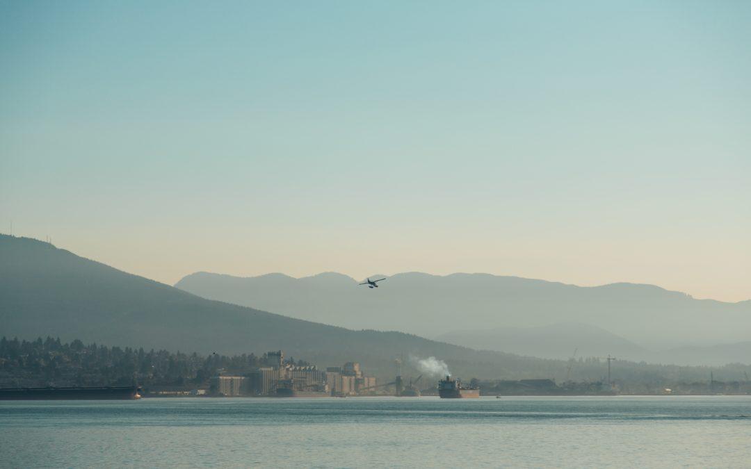 Transporte marítimo y aéreo